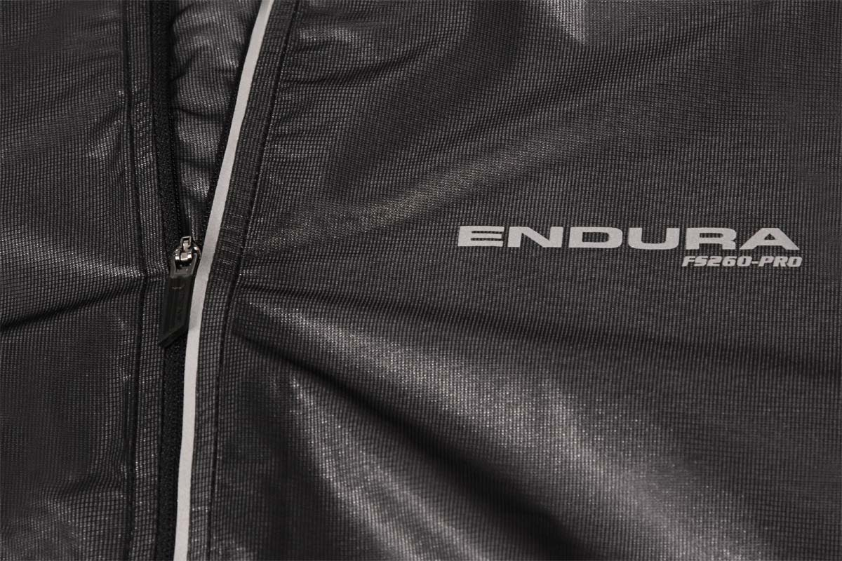 Endura FS260 Pro Adrenaline Race Gilet RRP £64.99 Black// White S-XL