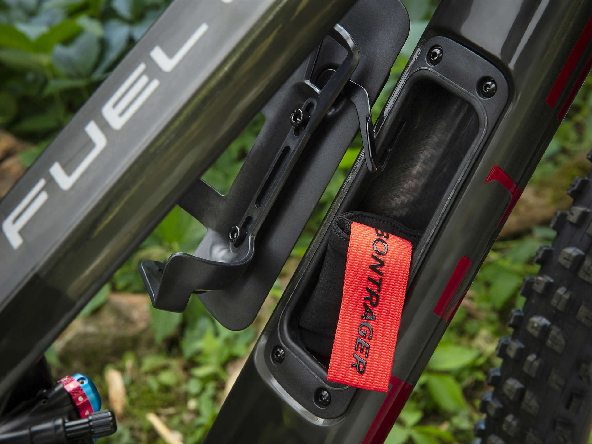 BOX THREE Bmx//Mountain Bike V Brake 108mm Red