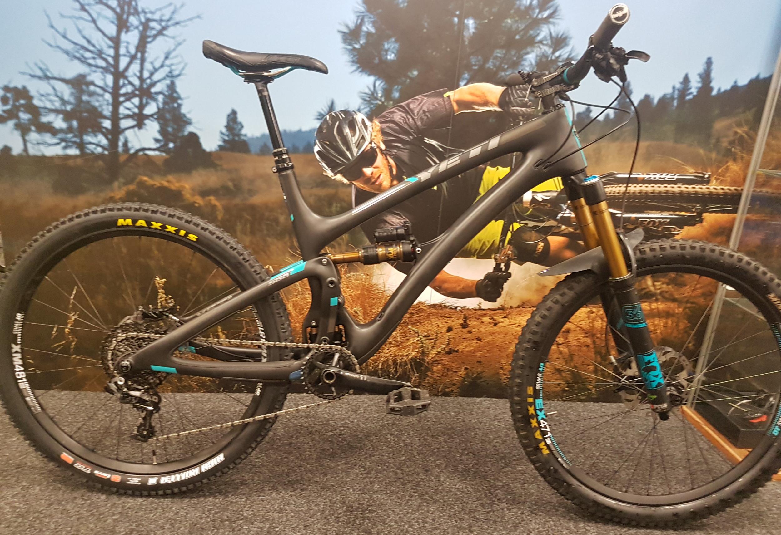2nd Hand Yeti SB6 TURQ 27 5 Mountain Bike Large Black
